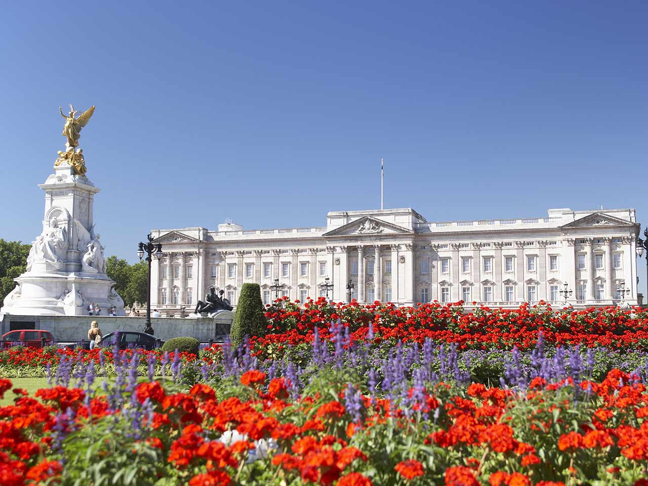 how to get to buckingham palace by tube