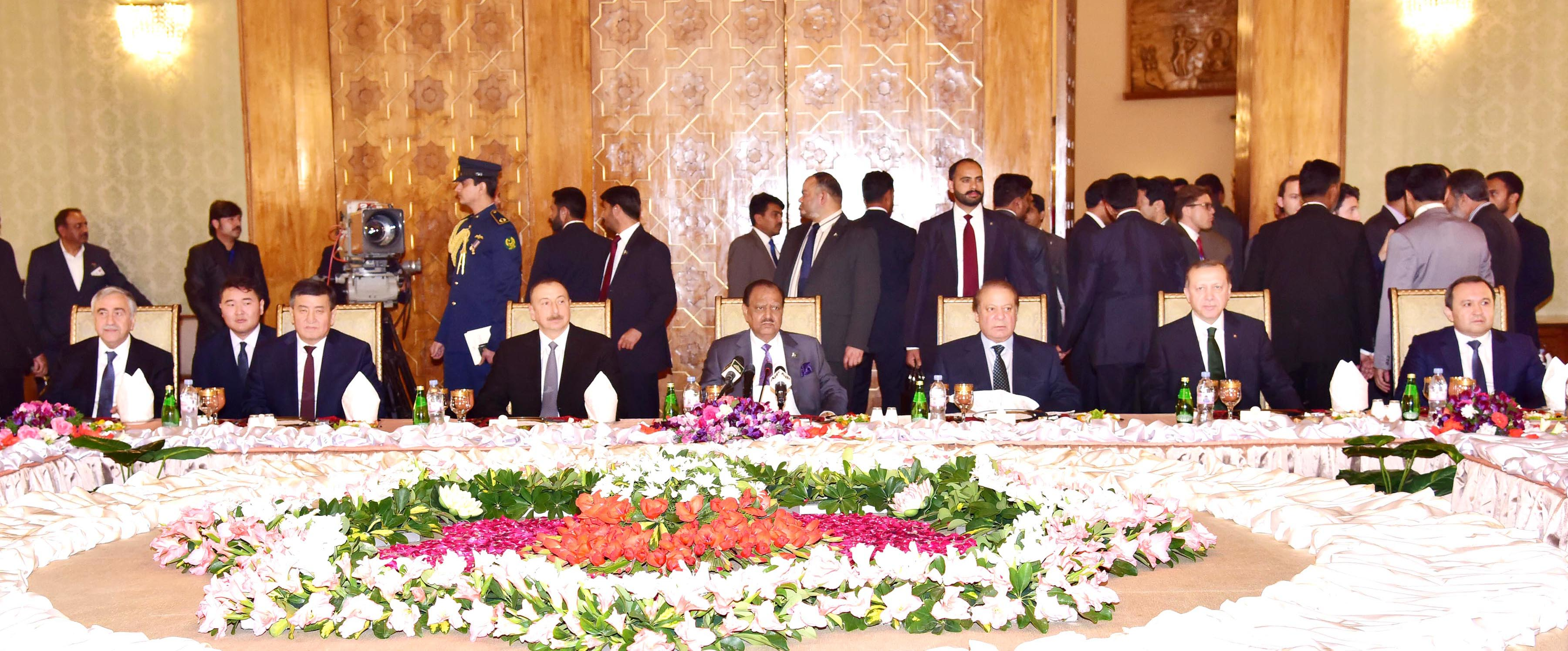 President Mamnoon Hussain and Prime Minister Muhammad Nawaz Sharif during State Banquet hosted in honor of Heads of States / Governments of ECO member countries at the Aiwan-e-Sadr, Islamabad on February 28, 2017.