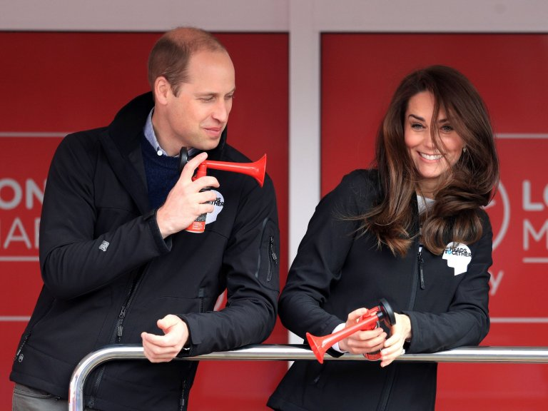 The Duke of Cambridge (left), Prince Harry (right) and the Duchess of Cambridge at the start line of the Virgin Money London Marathon, London. PRESS ASSOCIATION. Picture date: Sunday April 23, 2017. See PA story ATHLETICS Marathon. Photo credit should read: Adam Davy/PA Wire