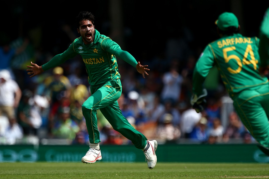 LONDON, ENGLAND - JUNE 18: Mohammad Amir of Pakistan celebrates after claiming the wicket of India's Virat Kohli during the ICC Champions Trophy Final match between India and Pakistan at The Kia Oval on June 18, 2017 in London, England. (Photo by Charlie Crowhurst/Getty Images)