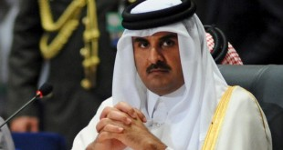 Qatar's Sheikh Tamim bin Hamad al Thani (R) attends the opening meeting of the Arab Summit in Sharm el-Sheikh, in the South Sinai governorate, south of Cairo, March 28, 2015. Arab League heads of state will hold a two-day summit to discuss a range of conflicts in the region, including Yemen and Libya, as well as the threat posed by Islamic State militants. REUTERS/Stringer - RTR4V98K