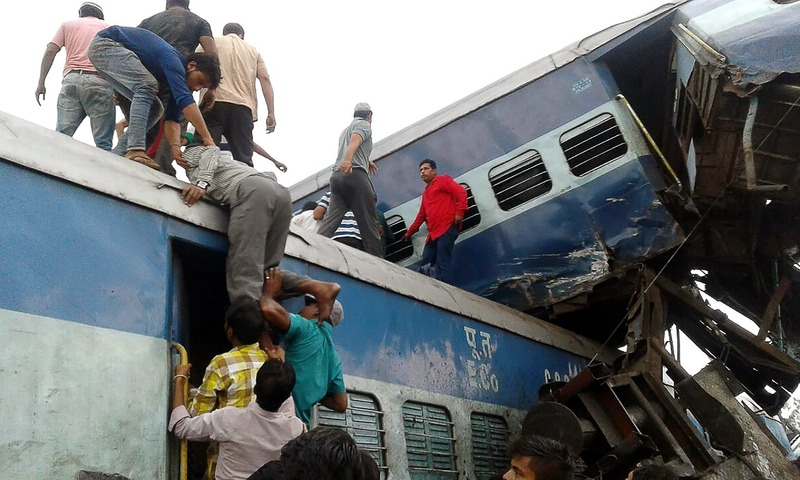 INDIA-TRAIN-CRASH