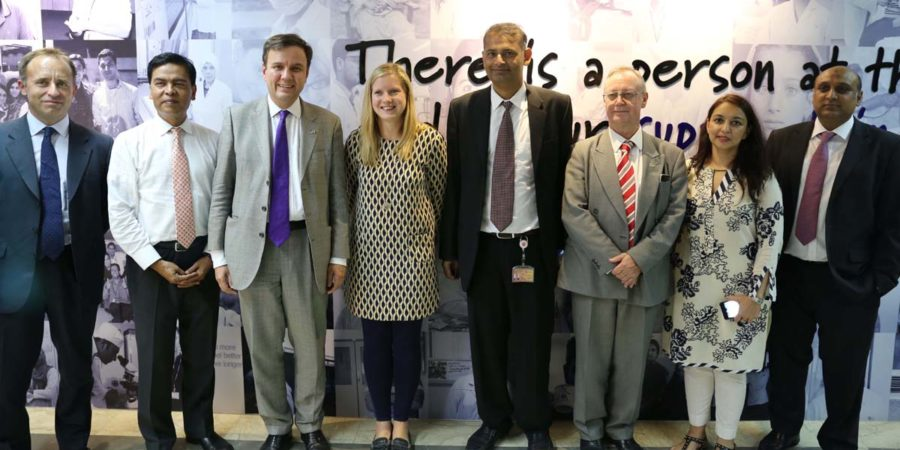 KARACHI, SEPT 20: UK Minister for Trade Policy, Greg Hands and others pose for a group photo at GlaxoSmithKline's factory, on Wednesday.=DNA PHOTO