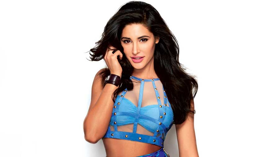 Nargis-Fakhri-new-hot