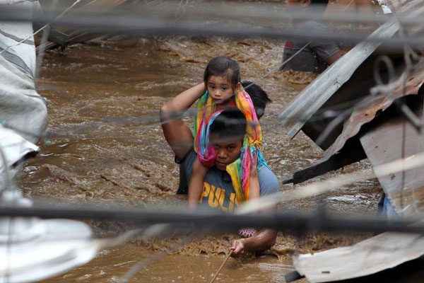 Philippines storm death toll climbs to 240
