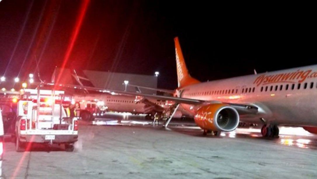 Two airplanes collide in Toronto, no casuality reported