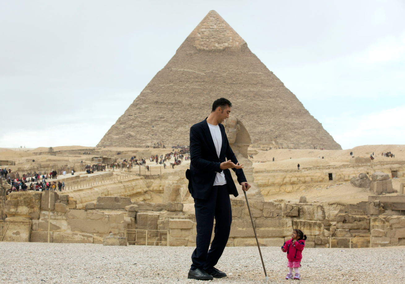 shortest man and woman in the world meet