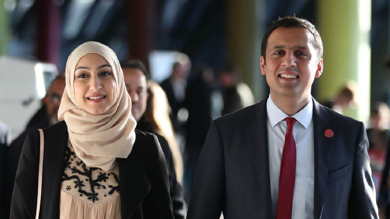 anas-sarwar-and-wife-furheen-sarwar