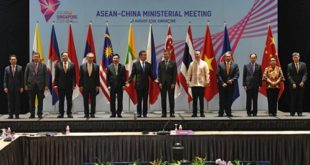 "China's Foreign Minister Wang Yi (6th from L) poses with (L to 5th L) Laos' Minister of Foreign Affairs Saleumxay Kommasith, Malaysia's Foreign Minister Saifuddin Abdullah, Myanmar's Union Minister for the Office of the State Counsellor U Kyaw Tint, Thailand's Foreign Minister Don Pramudwinai, Vietnam's Deputy Prime Minister and Foreign Minister Pham Binh Minh, (6th R to R) Singapore's Minister for Foreign Affairs Vivian Balakrishnan, Philippines' Foreign Affairs Secretary Alan Peter Cayetano, Brunei's Second Minister of Foreign Affairs and Trade Erywan Yusof, Cambodia's permanent representative to the Association of Southeast Asian Nations Kan Pharidh, Indonesia's Foreign Minister Retno Marsudi, and ASEAN Secretary General Lim Jock Hoi during a bilateral meeting at the 51st Association of Southeast Asian Nations (ASEAN) Ministerial Meeting in Singapore on August 2, 2018. / AFP PHOTO / ROSLAN RAHMAN / ""The erroneous mention[s] appearing in the metadata of this photo by ROSLAN RAHMAN has been modified in AFP systems in the following manner: [adding identity of Cambodia's permanent representative to the Association of Southeast Asian Nations Kan Pharidh]. Please immediately remove the erroneous mention[s] from all your online services and delete it (them) from your servers. If you have been authorized by AFP to distribute it (them) to third parties, please ensure that the same actions are carried out by them. Failure to promptly comply with these instructions will entail liability on your part for any continued or post notification usage. Therefore we thank you very much for all your attention and prompt action. We are sorry for the inconvenience this notification may cause and remain at your disposal for any further information you may require."
